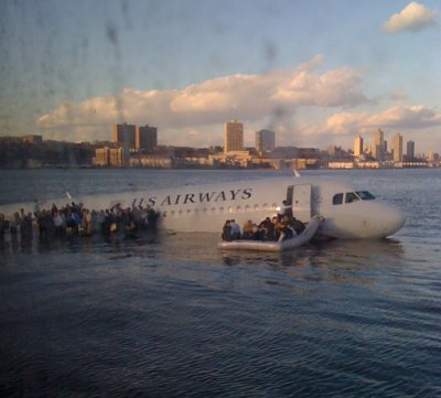 US Airways treibt im Hudson River
