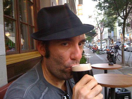 Telefonkabinen-Sit-In Bier her… Bier her…