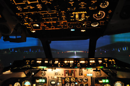 Im MD-83-Flugsimulator von Swiss Aviation Training