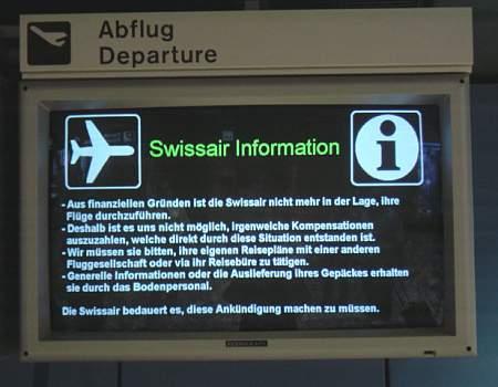 Swissair Grounding: Anzeigetafel am Flughafen Zürich